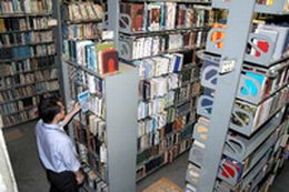 浦和図書館.jpg